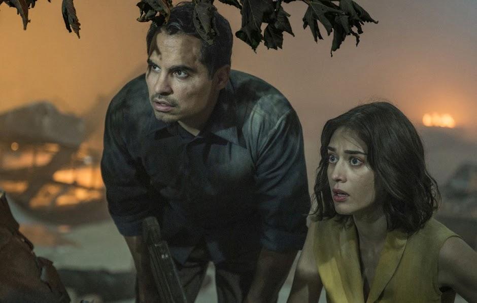 Extinção | Michael Peña e Lizzy Caplan no trailer da sci-fi de invasão alienígena