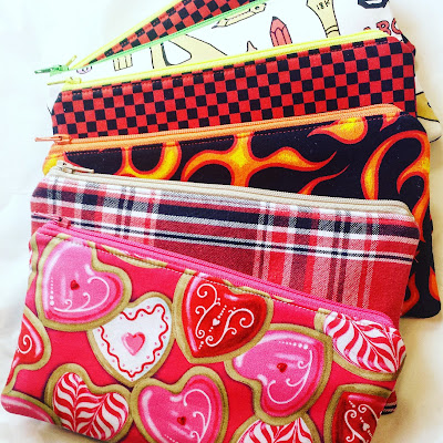 refabulous fabric fast, no buying fabric in 2018, zipper pouches from stash fabrics