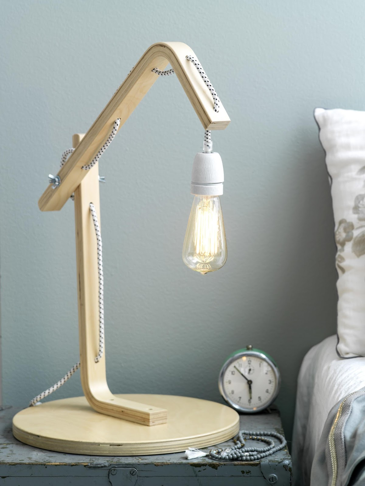 Comment Customiser Une Lampe De Chevet initiales gg  : {diy} 5 idées pour customiser le tabouret