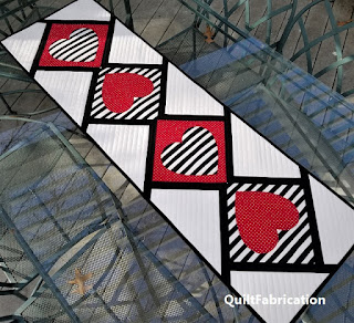 Love-Match-Modern-Heart-Table-Runner-Valentine-Decoration