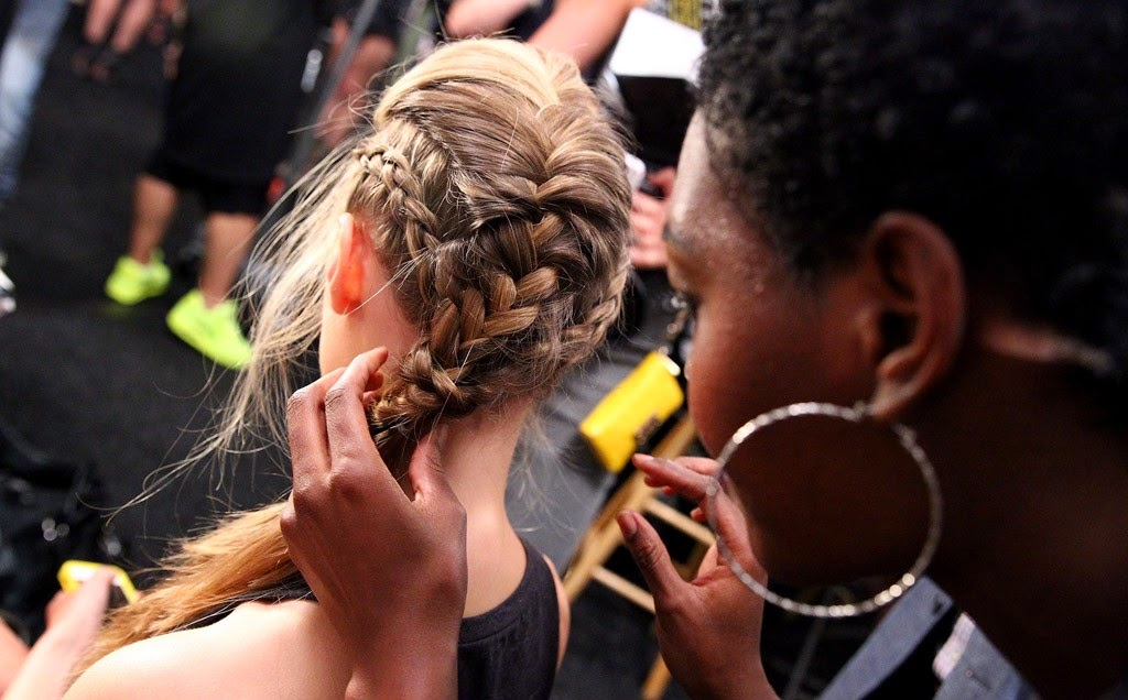 Attach the three to each other braids and voila, you're ready to rock!
