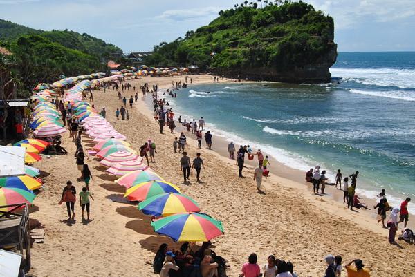 tempat wisata pantai di jogja pulang sawal