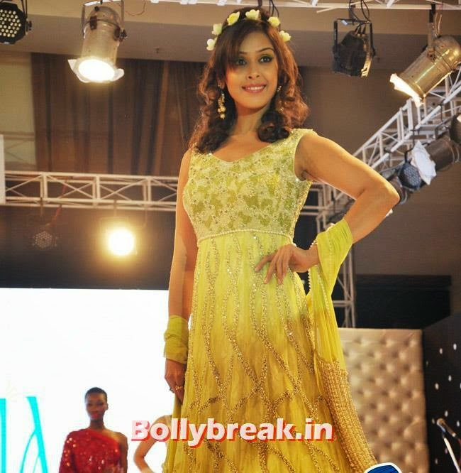 Hrishitha Bhatt, Hrishitha Bhatt Ramp Walk for Festival of Hope Fashion Show