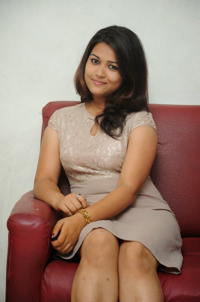 Pooja Latest Photos Style Pose Shiner Photos