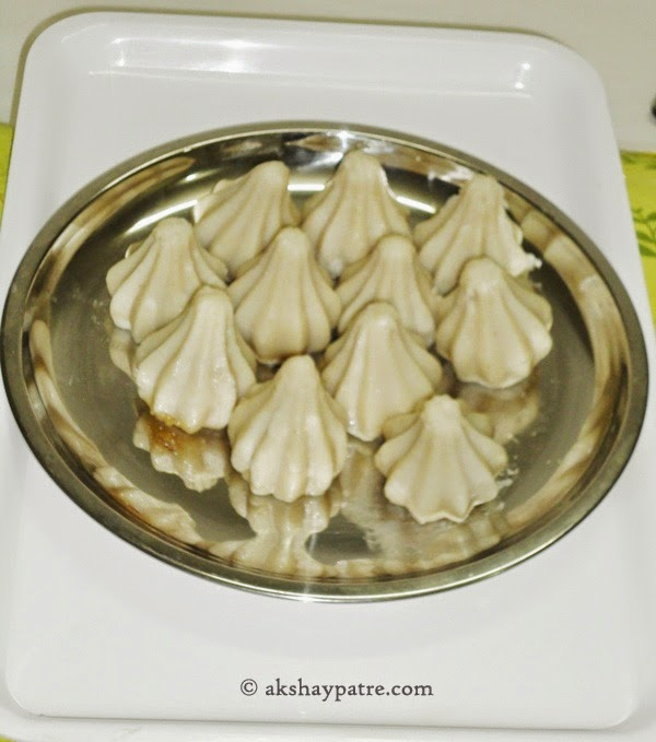 Modakas in a plate for Ukadiche Modak using mould