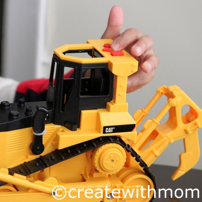 Create With Mom: CAT Job Site Machines toy giveaway