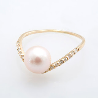 https://www.amazon.in/gp/search/ref=as_li_qf_sp_sr_il_tl?ie=UTF8&tag=fashion066e-21&keywords=white pearl ring&index=aps&camp=3638&creative=24630&linkCode=xm2&linkId=c078ac170896d22b8dae9ef29c334801