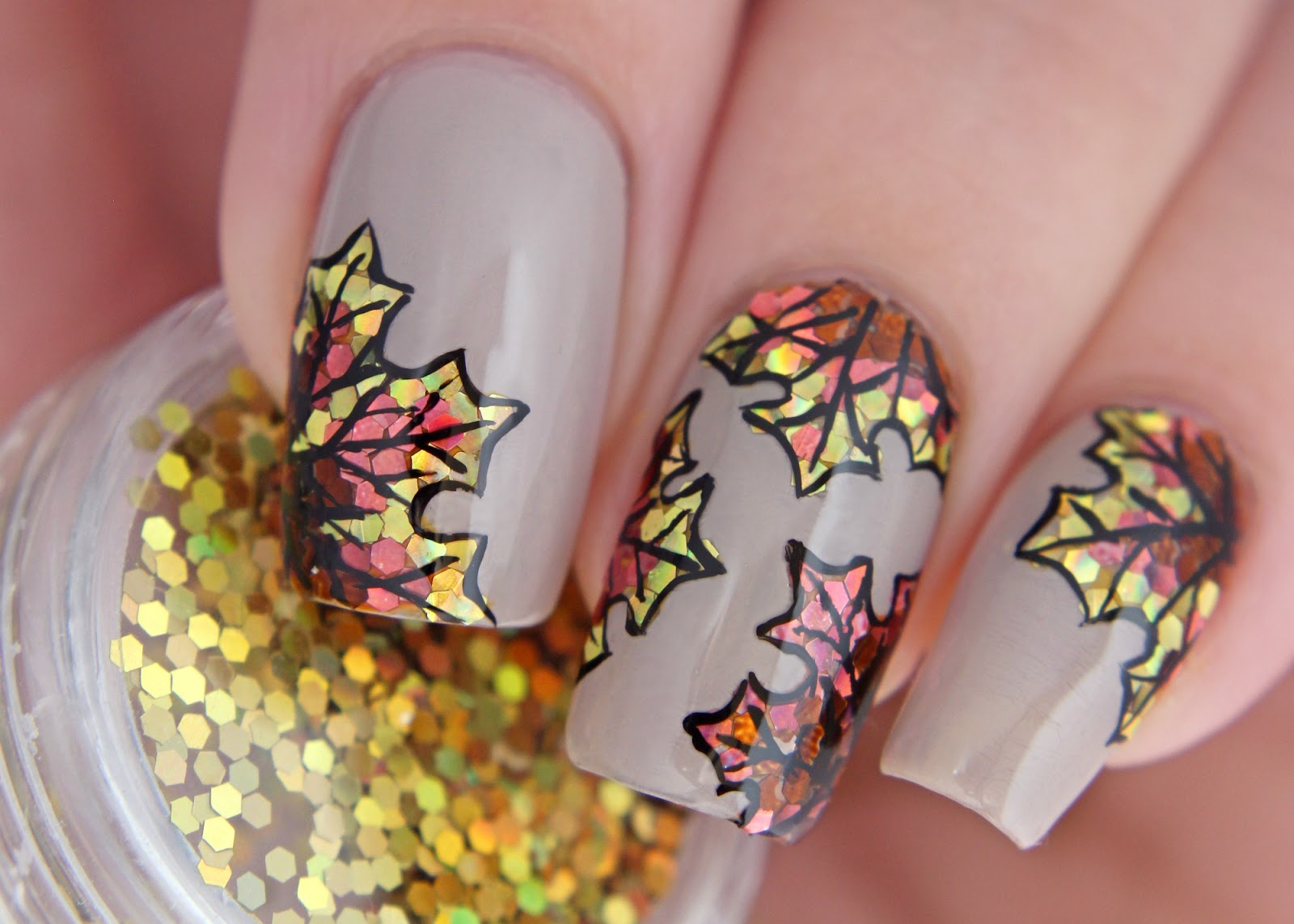 Born Pretty Store | Glitter placement with loose holo glitters ...