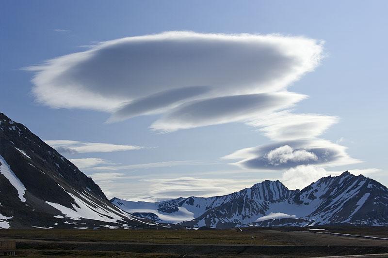 Clouds 101: Altocumulus lenticularis ( Ac len ) - Simply Selma  Clouds 101: Alt...