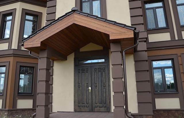 дверь на даче