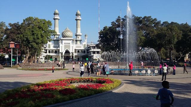 Image result for alun alun kota malang