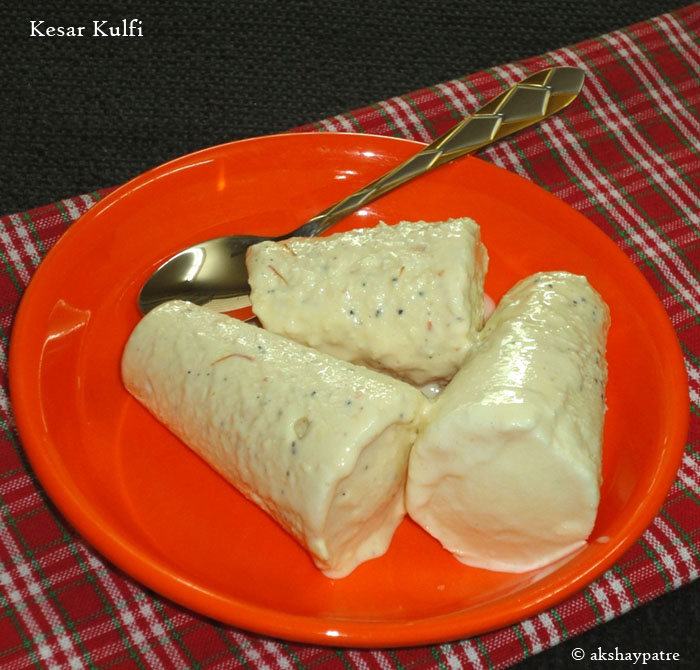 kesar kulfis in a serving plate