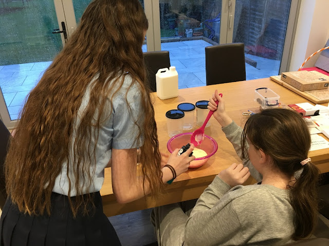 stephs two girls making slime