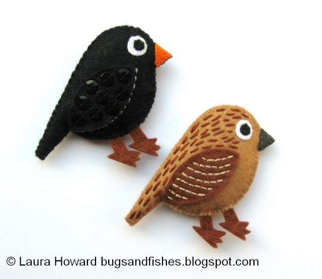 http://bugsandfishes.blogspot.co.uk/2013/10/how-to-make-pair-of-felt-blackbirds.html