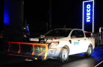 https://www.express.de/news/panorama/neue-warnung-fuer-nrw-schneefront-in-koeln-angekommen--unfaelle-im-minutentakt-31777932?originalReferrer=