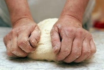Θα φρίξετε: Δείτε τι είπε Αλβανός φούρναρης σε άνεργη Ελληνίδα που του ζήτησε δουλειά...