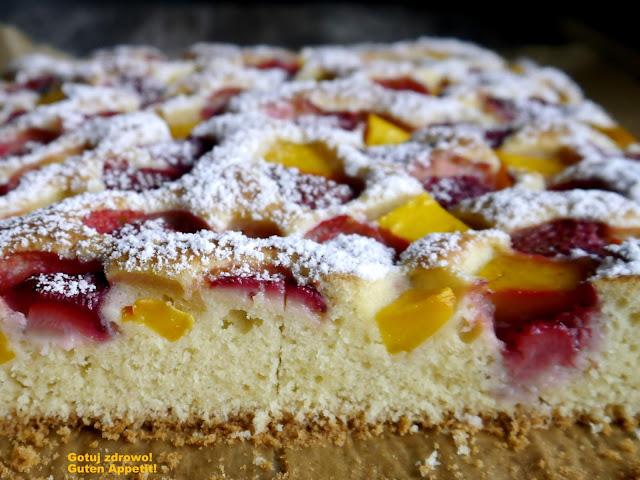 Kokosowe ciasto z truskawkami i mango - Czytaj więcej »