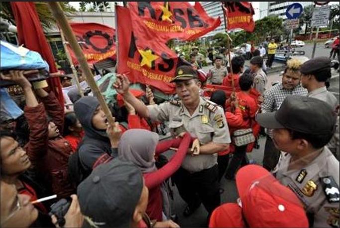 5 Kasus Pelanggaran Ham Di Indonesia Contoh Kasus Pelanggaran Ham Di Indonesia Cepat Lambat Kasus Kasus Pelanggaran Ham Di Indonesia Uphil N Raghiel Naskah