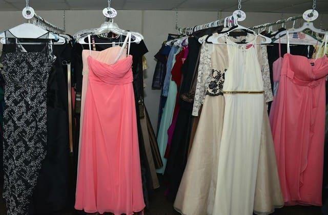 Kamu Perlu Ikutin Tips Memilih Baju untuk Pesta Berikut Demi Penampilan Wanita yang Anggun dan Menawan