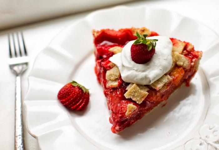 Cozy Sunday - Strawberry Recipe Roundup - Contentedness Cooking