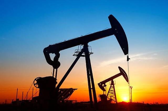 Londoni elemzők: a drága olaj egy időre 4 százalék fölé emelheti a magyarországi inflációt