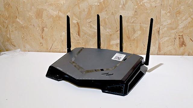 【高分評測】最佳 Wi-Fi 電玩路由器 NETGEAR XR500