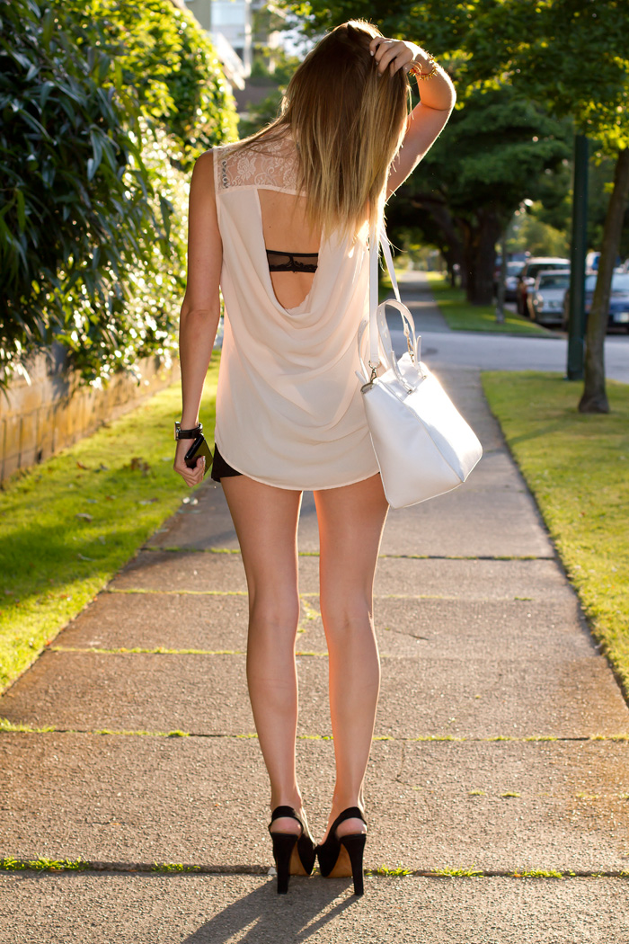 Vancouver Fashion Blogger, Alison Hutchinson, wearing Forever 21 peach button-up cut-out top, zara black shorts and heels, zara white leather tote, Albeit necklace, Stella&Dot bracelets
