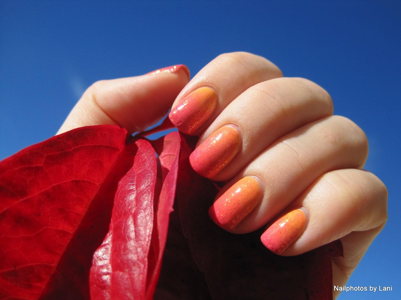20 Cool Newspaper Nail Art Ideas - Hative | Newspaper nail