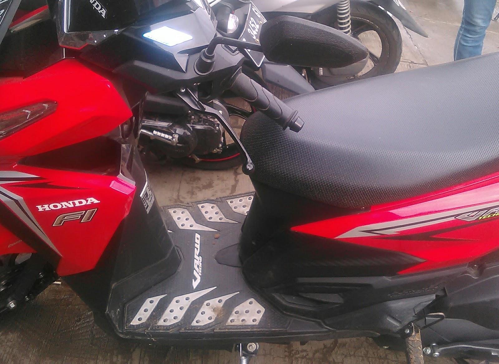 Jual Murah New Vario 125 Esp Cbs Iss Sonic White Red Yogyakarta Advance Jakarta Cover Motor Exclusive Black2 Lihat Daftar