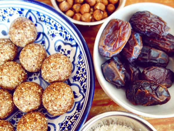 Energy balls aux dattes, noix de coco et noisettes
