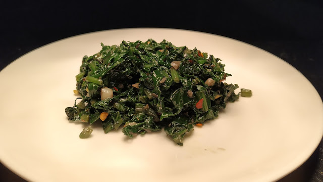 Spinach mix with chilly flakes oregano pepper for mushroom Duplex recipe