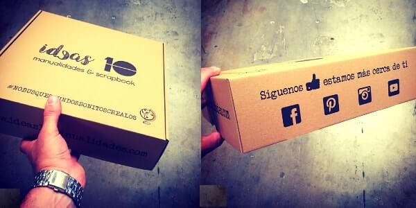 cajas personalizadas con logo de marca y logos redes sociales