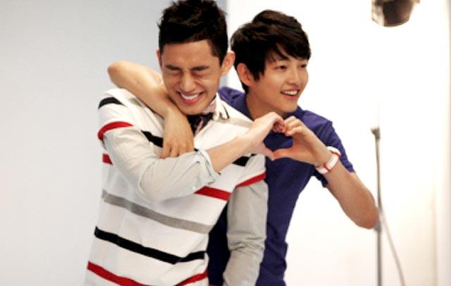 "Горячие  ""лилипуты""  Кореи - 2 - Страница 9 Yoo-AH-In-dan-Song-Joong-Ki"
