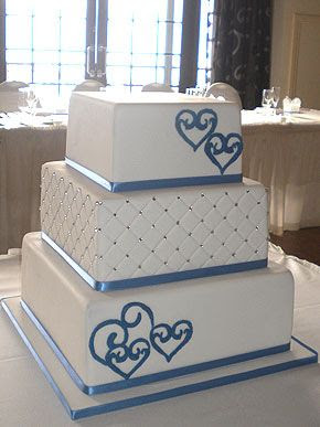 2 tier square wedding cakes