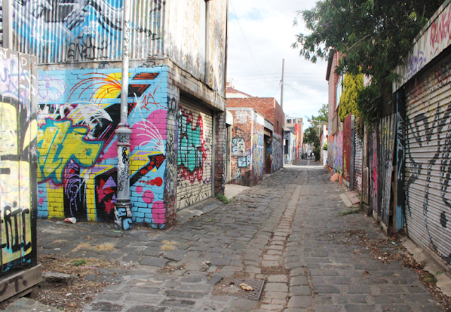 Rose Street Grafitti Fitzroy/ Collingwood  - Melbourne Suburb Checklist (12 Must-Dos!)