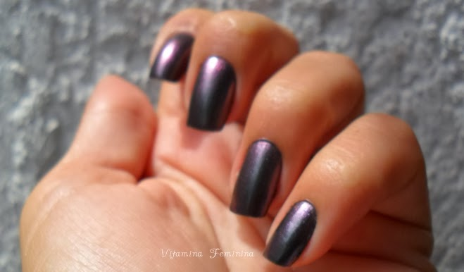 Esmalte Risqué Color Effect na cor Besouro