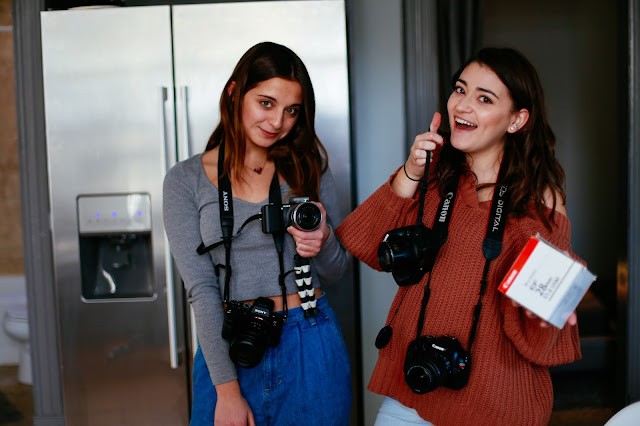 behind the scenes assistant photographers
