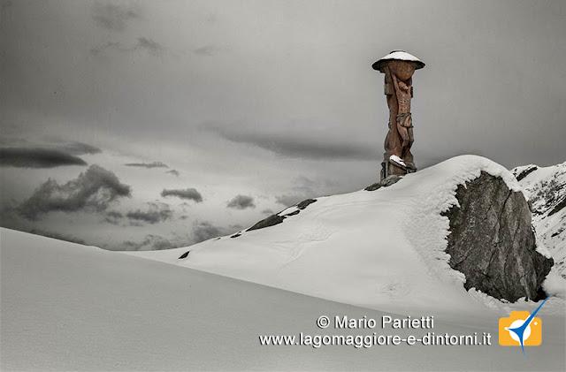 Scultura in legno all'alpe Scaredi