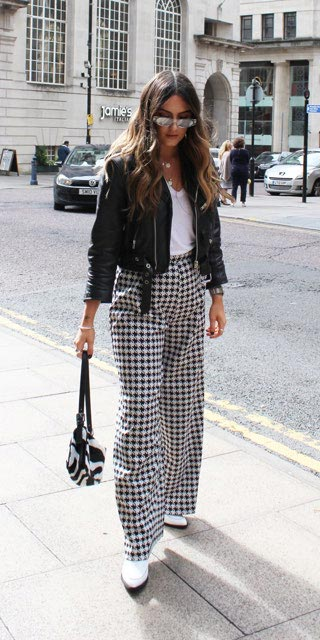 Spring is here! Need spring outfit inspiration? Check out these 29 Chic Spring Outfits That Look Effortlessly Sexy and Cool. Black Jacket + Bodysuit + Trouser | Spring Fashion + Spring Wear via higiggle.com #fashion #spring #style #chic