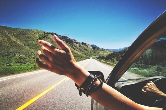 Οδηγίες που πρέπει να ακολουθούμε όταν ταξιδεύουμε με αυτοκίνητο