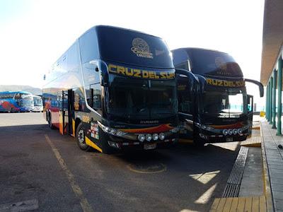 Autobús de la compañía de Cruz del Sur
