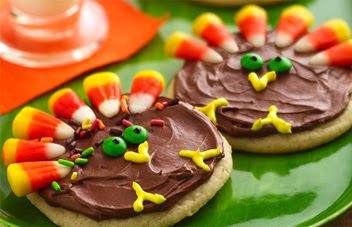 http://www.sprinklesngrins.com/Recipes/51/Turkey-Cookie-Treats