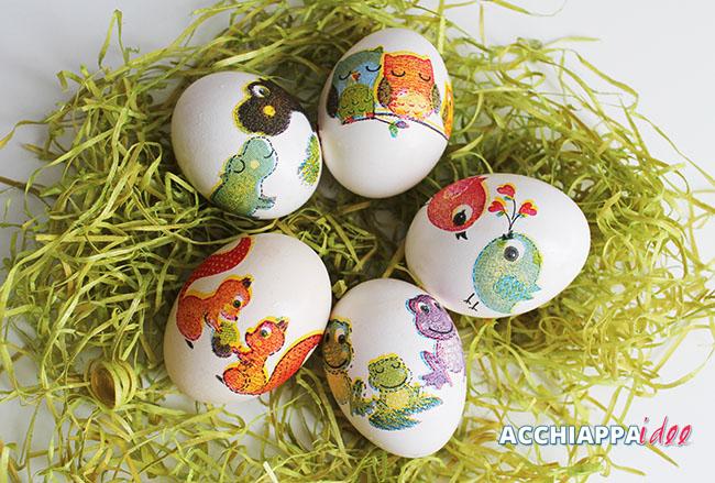 uova sode decorate con la tecnica del decoupage