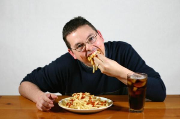Sering Makan Lewat Jam 10 Malam, Awas Risiko Kanker