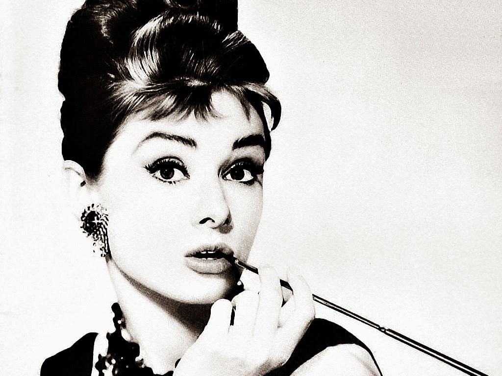 """Audrey Hepburn, em """"Bonequinha de Luxo""""."""
