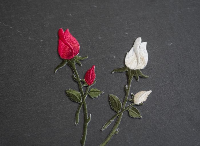 ładne naszywki róże