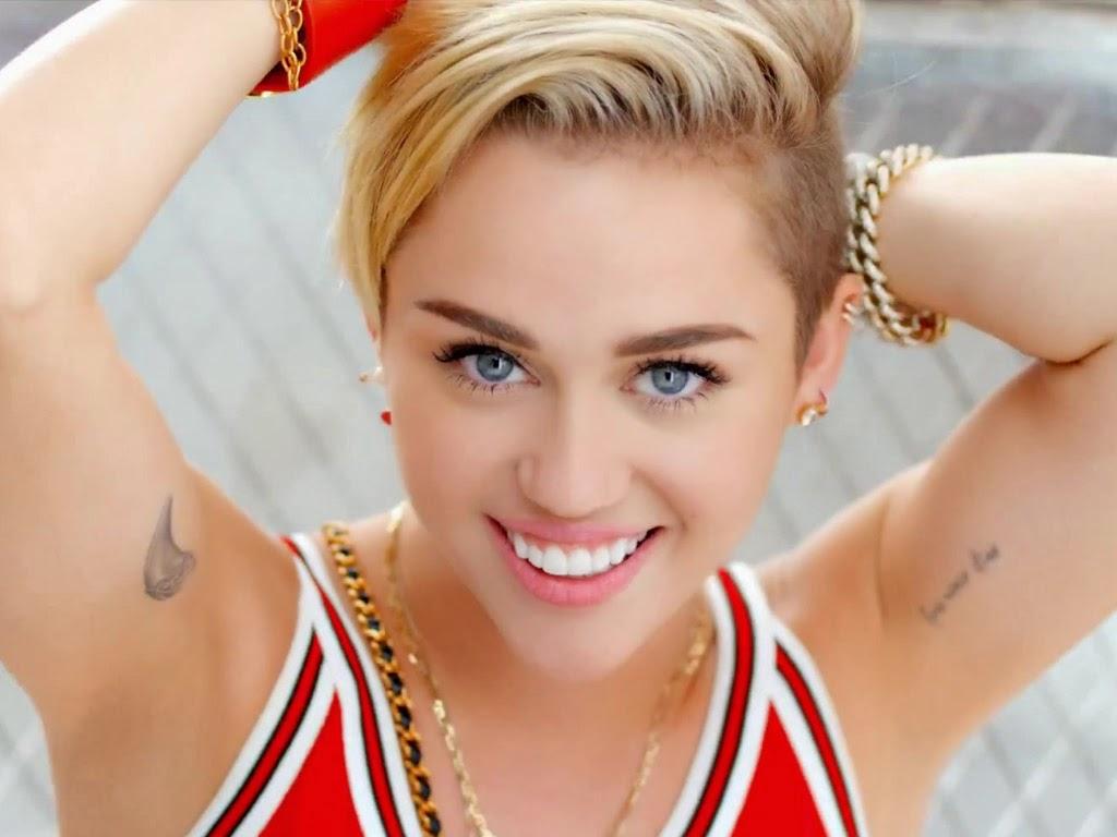 Miley Cyrus: **JuST 4 MoVieS**: Miley Ray Cyrus