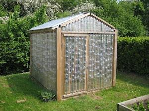Invernaderos hechos de material reciclable