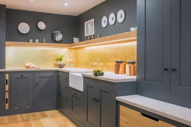 Английский дизайн серой кухни и шесть основных правил от Sustainable Kitchens