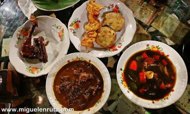 Gastronomía-javanesa-Mbah-Jingkrak-Yakarta